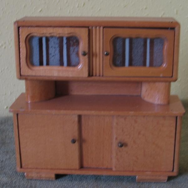 schrank k chenbuffet f r die puppenstube ddr 60 er jahre. Black Bedroom Furniture Sets. Home Design Ideas